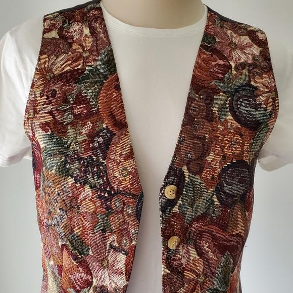 Vintage Tapestry vest 😍